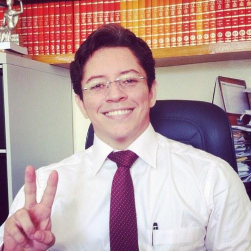 Aécio Farias (Foto do perfil no Twitter)