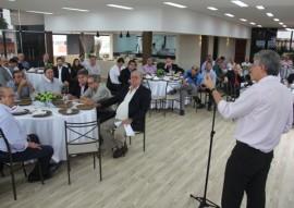 Governador fala a empresários em almoço da Fiep (Foto: Secom-PB)