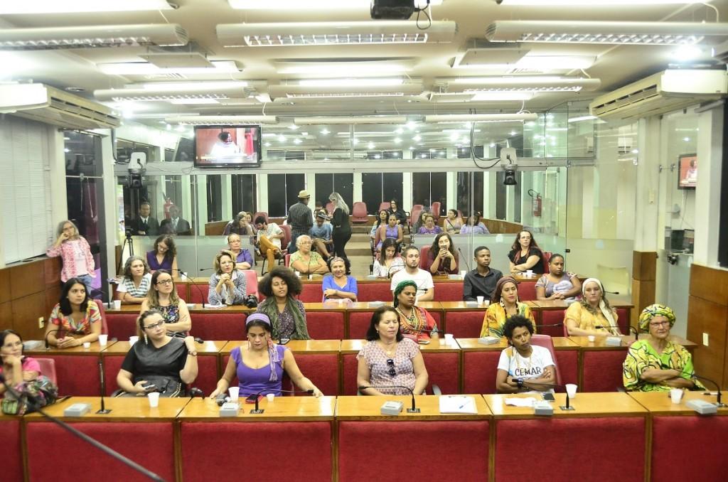 Plenário da CMJP: mulheres são maioria também entre os indecisos (Foto: Portal da CMJP_