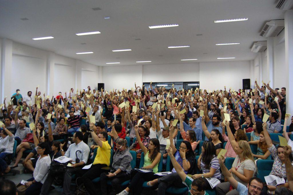 Professores iniciam mobilização para uma greve geral contra o governo (Foto: Adufpb)