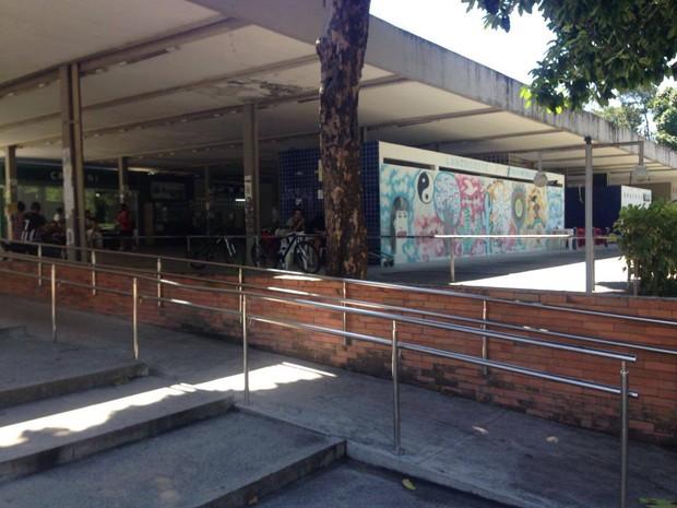 Centro de Vivência da UFPB, também um centro de comércio no Campus I (Foto: G1PB)