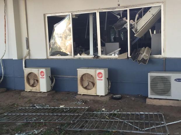 Parte da estrutura do local ficou destruída após a explosão (Foto: Walter Paparazzo/G1)