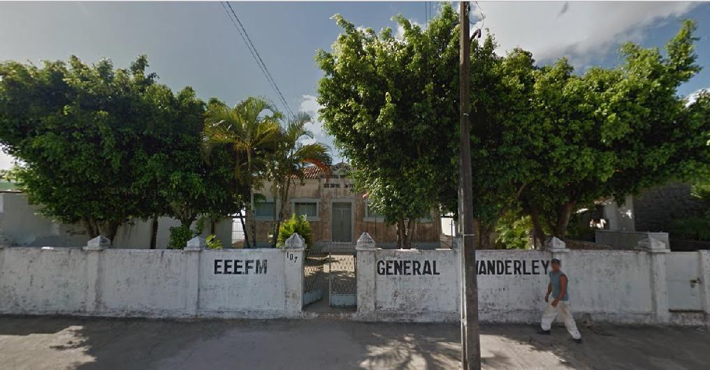 escola-fechada-por-ricardo-jaguaribe