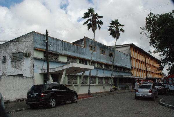 Hospital João Ribeiro, desapropriado pela PMCG (Foto: Blog Carlos Magno)