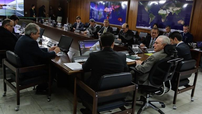 Temer com parte da bancada federal da Paraíba (Foto: Portal Planalto)