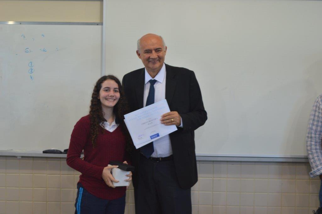 2ef93a03ad4 Estudante paraibana recebe prêmio internacional - Blog do Rubão